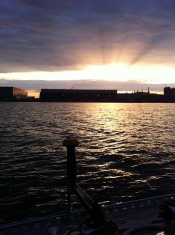 Auringonlasku Hernesaaren edustalla