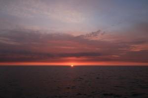 Aamu ennen Rönneä, auringonnousu, jota katseltiin.