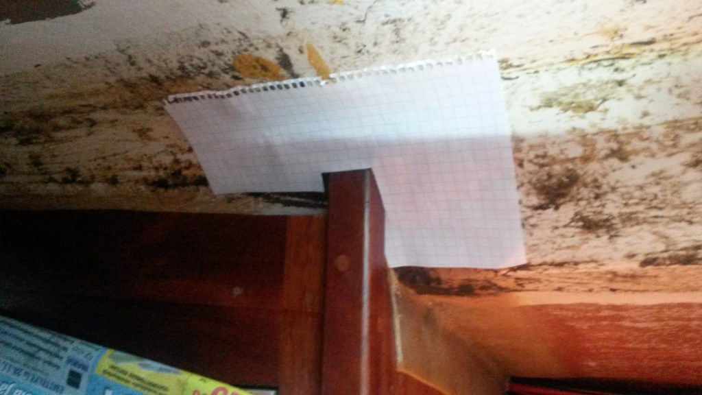 Paperisapluuna listan kohdan leikkaamiseksi.