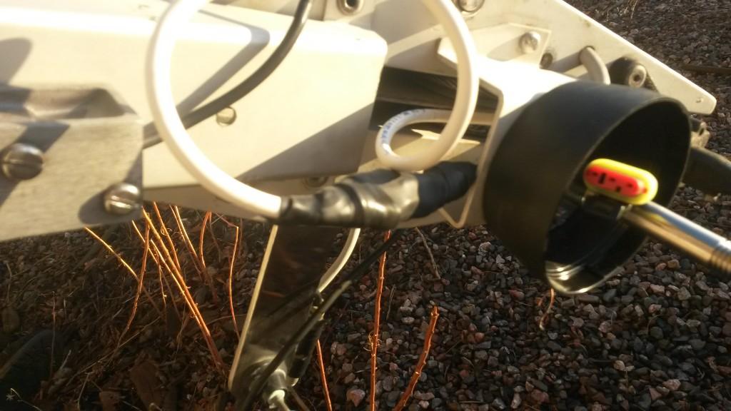 Kutistesukka + vulkanoiva reippi suojaa liittimiä