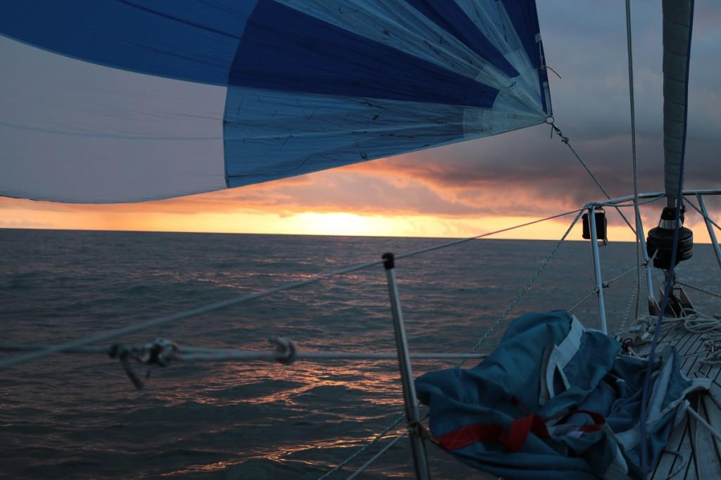 Auringonnousu jossain Suomenlahdella